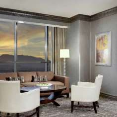 luxor-hotel-tower-one-bedroom-suite-living-room.tif.image.600.600.high